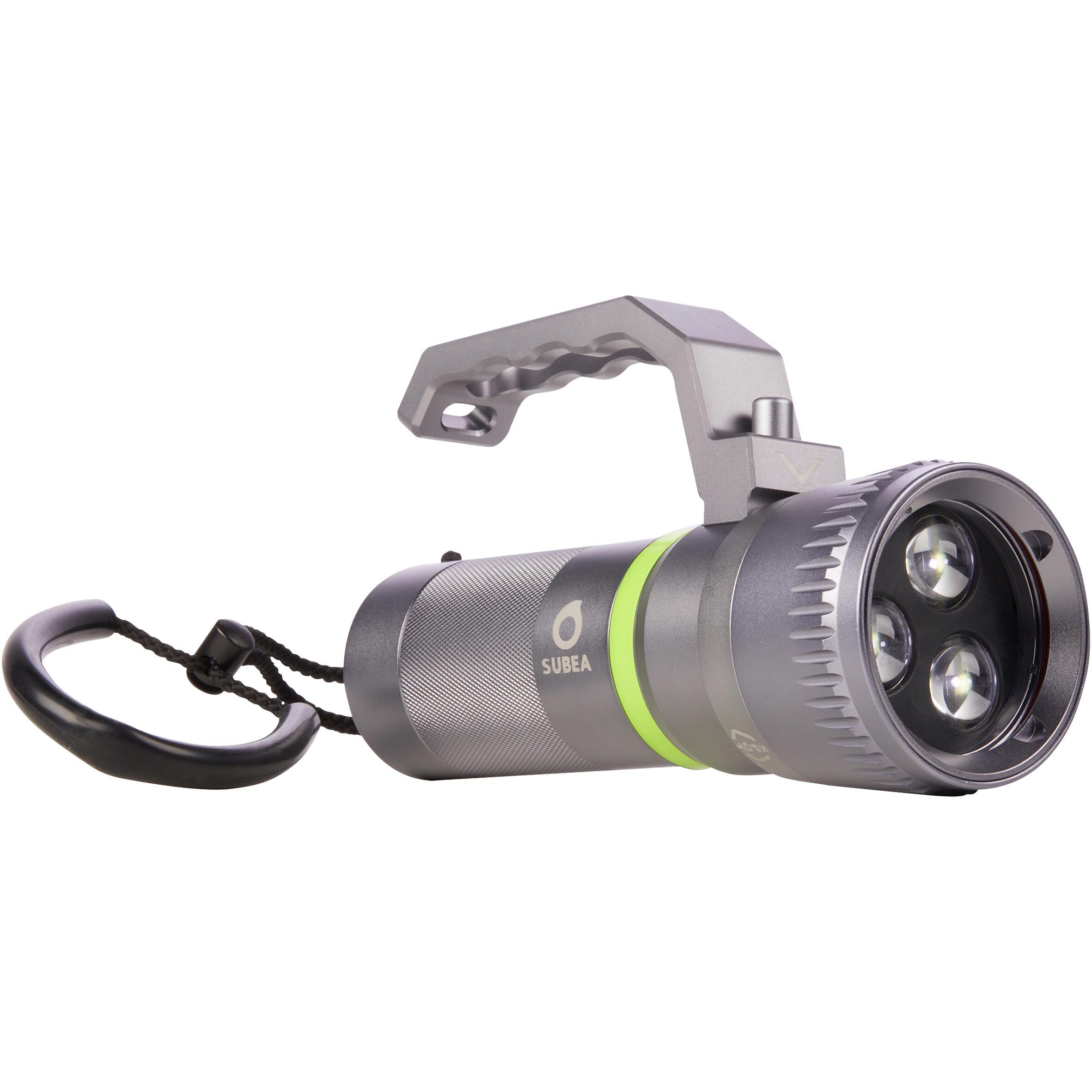 Subea Duiklamp 800 lumen brede regelbare lichtbundel kopen? Leest dit eerst: Duikhorloges en duiklampen Duiklamp met korting