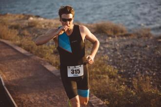 advice-sport-impact-digestion-hydration-triathlon-men