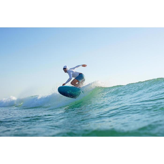 Planche de surf en mousse 7' 500. Livrée avec leash et ailerons.