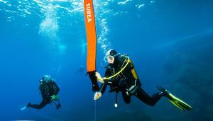 Comment utiliser un parachute de palier en plongée ?