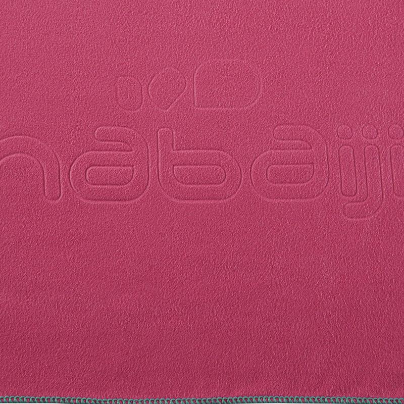 Toalla de microfibra rosada ultra compacta talla XL 110 x 175 cm