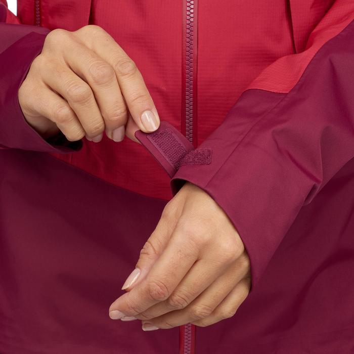 Regenjas voor trekking in de bergen voor dames Trek 500 roze
