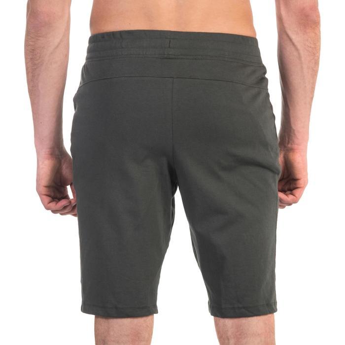 Short 520 slim au dessus du genou Gym & Pilates homme kaki