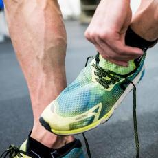 Chaussure de marche athlétique convient à la pratique sur piste