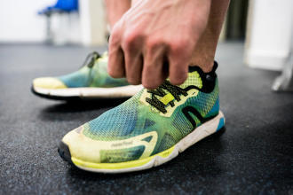 rw 900 : chaussure de marche athlétique