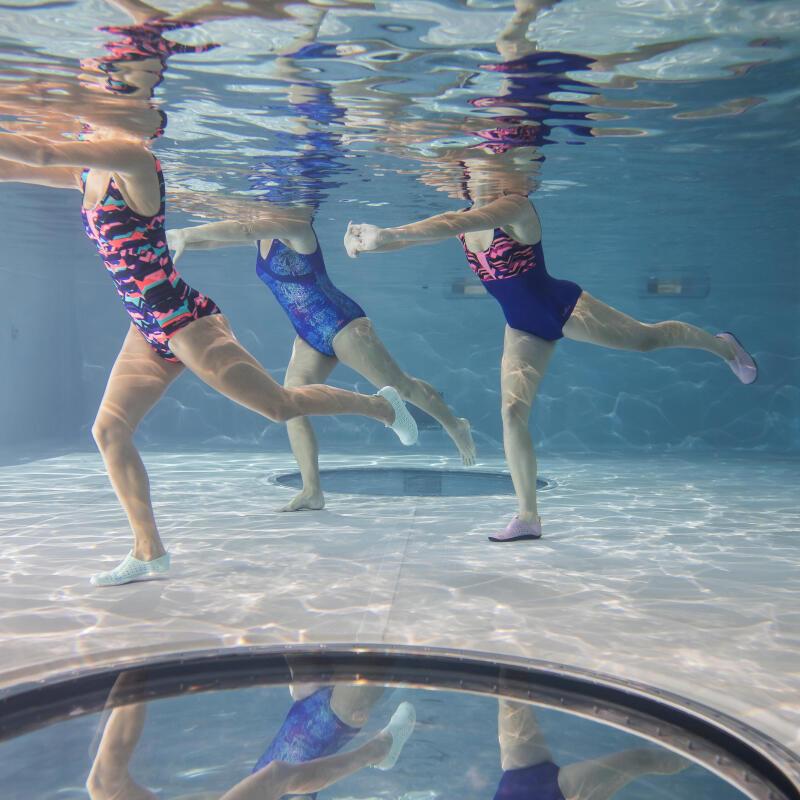 de-beste-oefeningen-om-je-beenspieren-te-trainen-tijdens-het-zwemmen