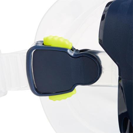 Kacamata selam SCUBA SCD 100 dengan skirt transparan dan gagang biru