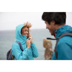 Regenjacke Naturwandern Raincut NH100 wasserdicht Reißverschluss Damen hellblau