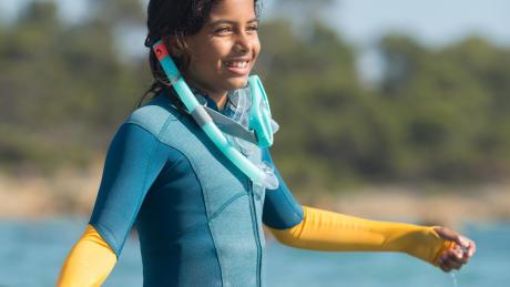 Kind snorkelen oefenen