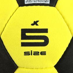 Hallenfußball Filz gelb