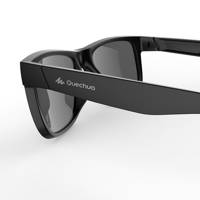 Gafas de sol de senderismo adulto MH140 negro y azul categoría 3