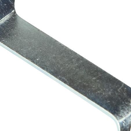 Ieskrūvējamo nagliņu izvilcējs apaviem