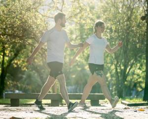 perte-poids-marche-sportive