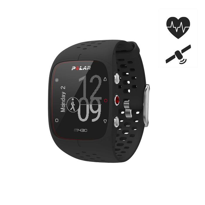 Reloj GPS Polar M430 pulsómetro en muñeca negro