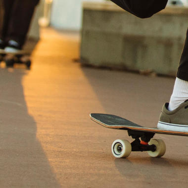 Decathlon skateboarding cruiser