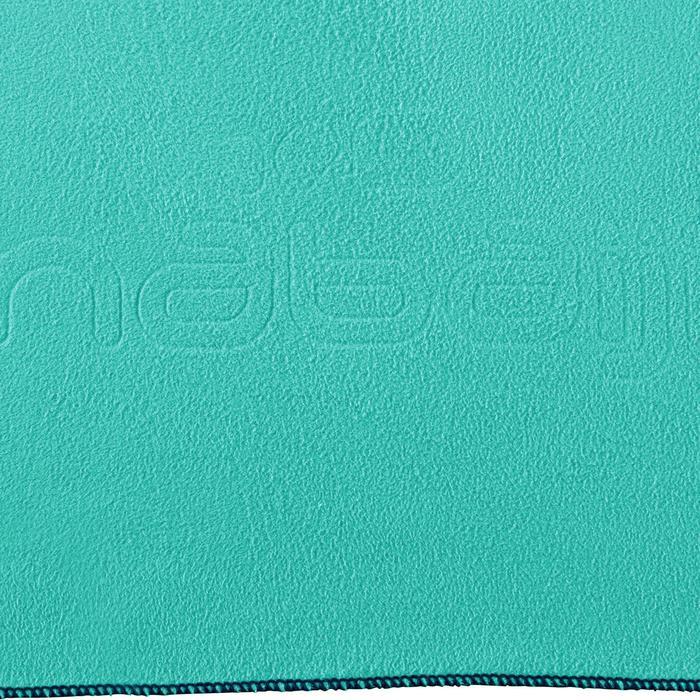 Serviette microfibre bleu lagon ultra compacte taille XL 110 x 175 cm