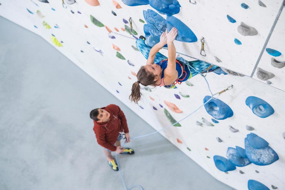Hallenklettern bzw. Indoor-Klettern wird beliebter
