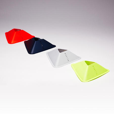 Pqt. de 40 conos Essential 4 colores (amarillo, naranja, gris, azul)