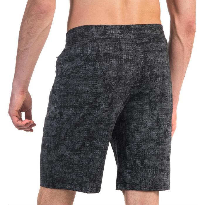Herenshort 520 voor gym en pilates slim fit tot net boven de knie grijs print