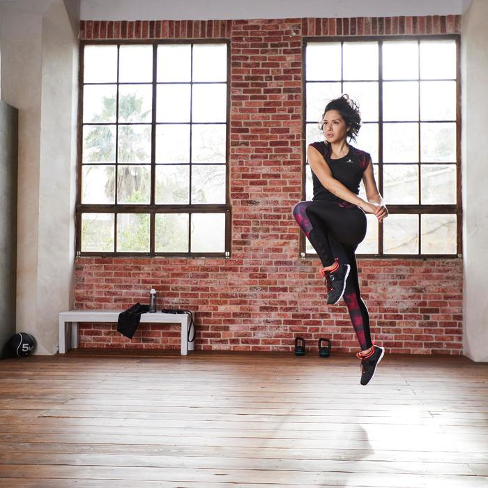 Camiseta fitness cardio-training mujer negro detalles negros y rosas 500