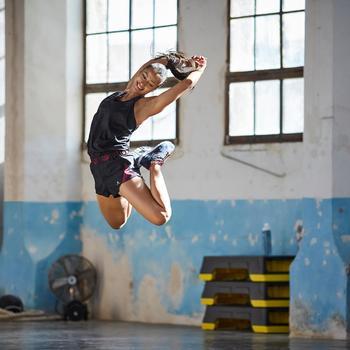 Combishort fitness cardio-training femme noir détails roses 500 - 1357200