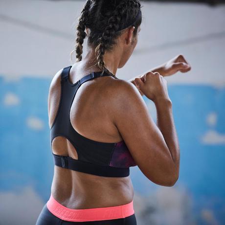 Brassière bonnets profonds fitness cardio-training femme noire et rose 500.  Previous. Next 8e7fd70a5e1