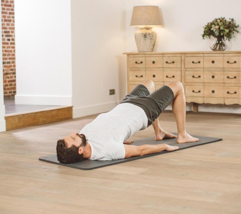 Cycliste sur son tapis de yoga