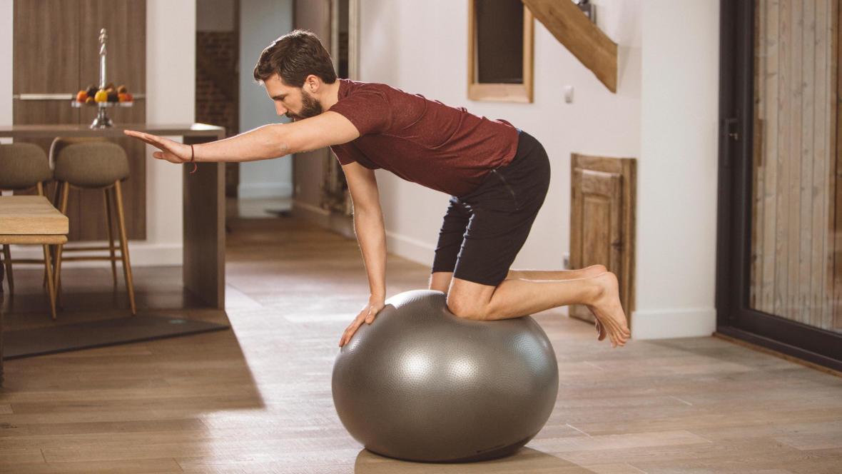 抗力球訓練平衡