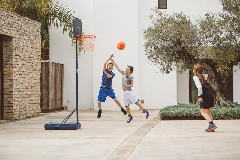 Panier de basket enfant B200 EASY bleu espace. 1,60m à 2,20m. Jusqu'à 10 ans.