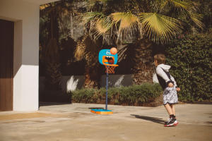 basketball-enfant-divertir-panier