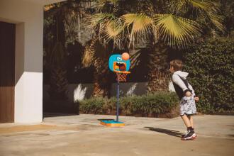 basketball-enfant-divertir-panier