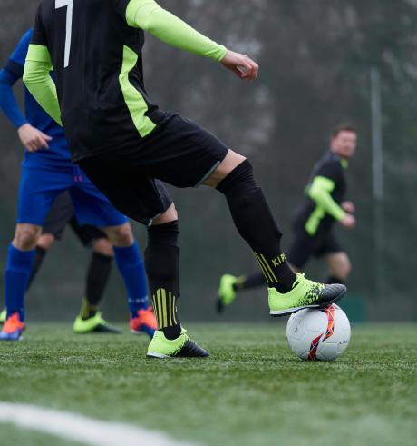 Comment s'équiper pour commencer le football ?
