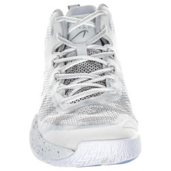5b07bd0c355e ... SC500 Adult Mid Basketball Shoes for Intermediate Players - White ...