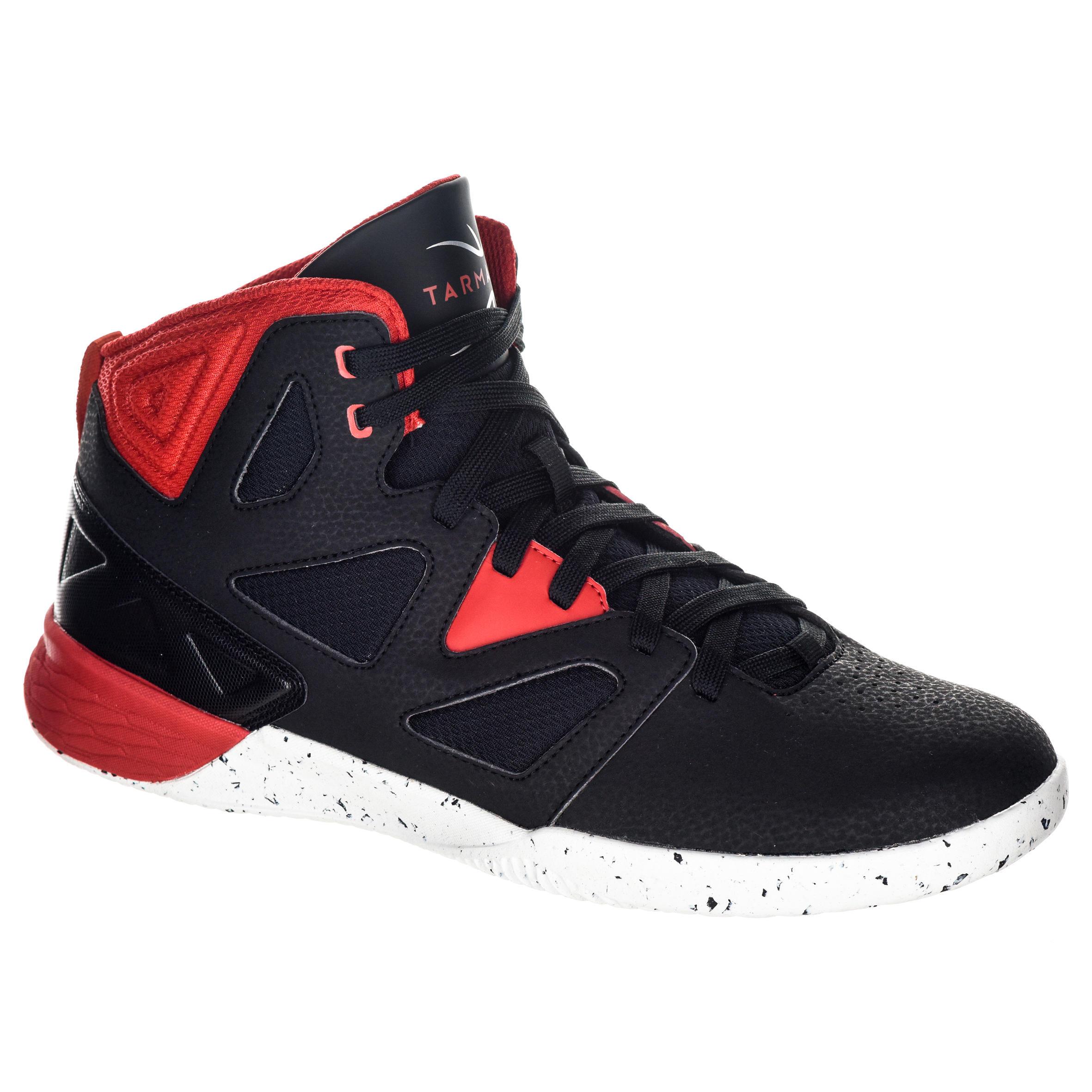 Tarmak Basketbalschoenen volwassenen H/D beginners zwart/wit/rood