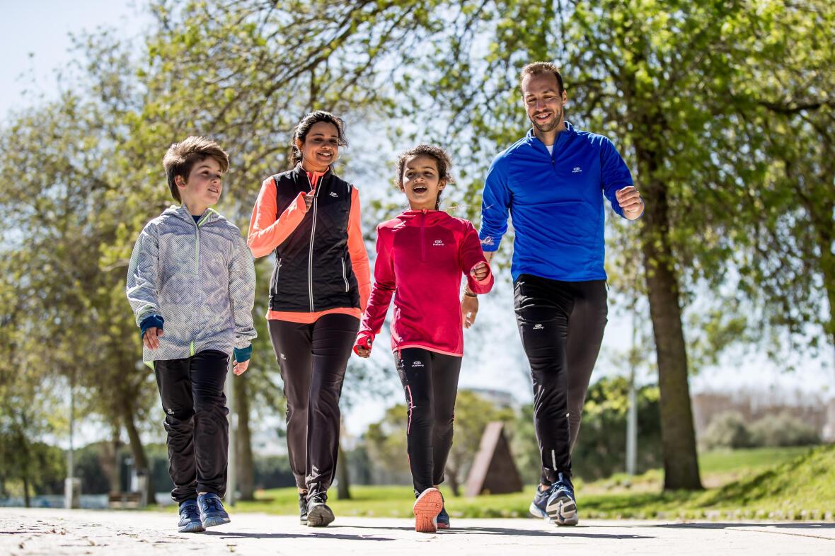 marcher-en-famille-bénéfices-activité-physique