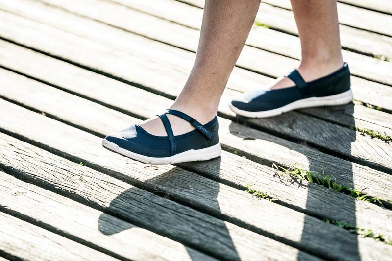 รองเท้าส้นเตี้ยใส่เดินเพื่อสุขภาพสำหรับผู้หญิงรุ่น PW 160 Br'easy