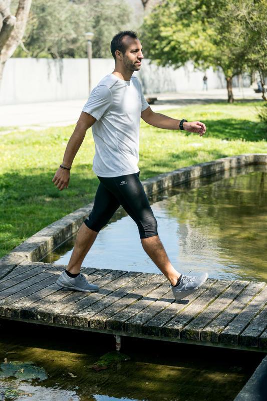 รองเท้าใส่เดินเพื่อสุขภาพสำหรับผู้ชายรุ่น PW 100 (สีเทา)