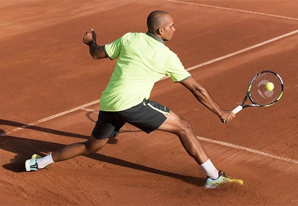 Tout savoir sur le revers au tennis, passing, slicé, d'attaque, de défense
