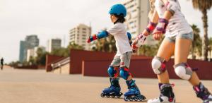 Een activiteit met rolschaatsen kiezen voor mijn kind