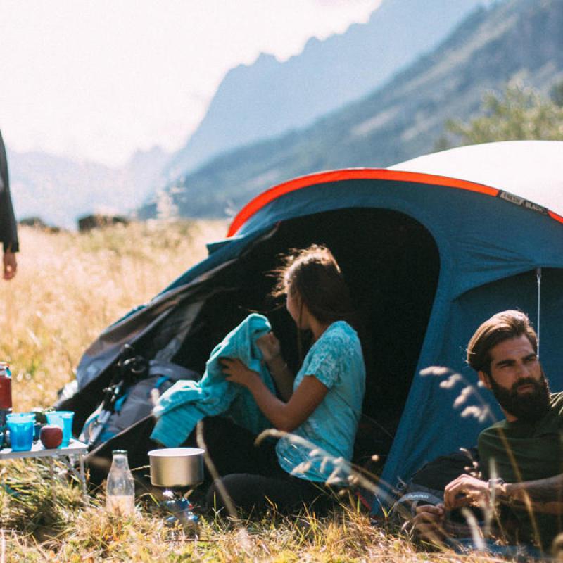 Comment vérifier que sa tente est en bon état avant de partir camper - titre