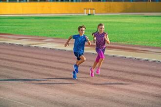 跑步|如何挑選兒童跑鞋?讓孩子盡情享受奔馳的樂趣!