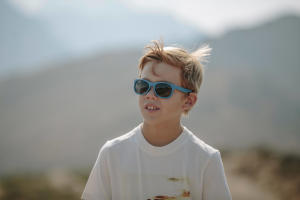 Como escolher óculos de sol para bebé e criança - Decathlon