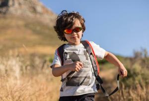 Como escolher óculos de sol de criança - Decathlon