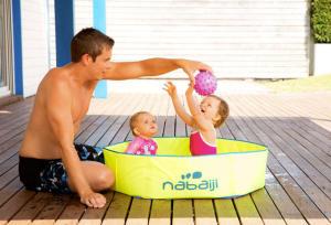 piscina dobrável ou insuflável criança bebé