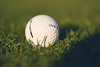 Så väljer du golfboll - Decathlon Inesis