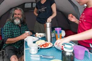 Comment bien choisir une table de camping - teaser