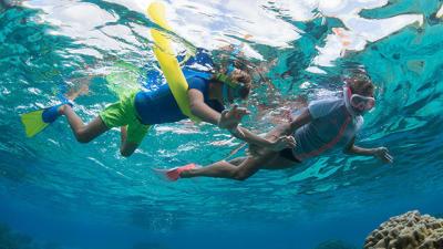 comment-pratiquer-snorkeling-randonnee-palmee-enfants-subea-decathlon.jpg