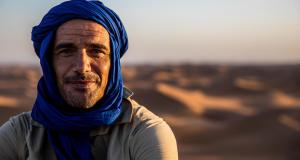 woestijntrekking tulbandsjaal keffiyeh sjaal woestijn sahara marokko