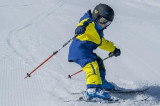 Como vestir adequadamente a criança no ski