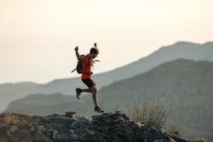 Soin des pieds : comment éviter le purpura d'effort en randonnée - teaser